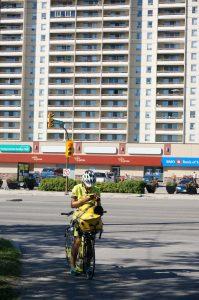 Josef sucht in Winnipeg nach einem preiswerten Hotel