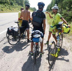 Fernradler aus Quebec sind uns auf den Spuren. Hier fanden sie uns, Harmony Beach, Ontario