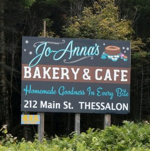 """Also wir lernten in der Schule noch """"Johannas"""", """"Bäckerei"""", """"Kaffee"""", """"meinst Teesalon"""".... (Thessalon, Ontario)"""