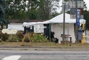 Amish People verkaufen Selbstgemachtes in Espanola, Ontario