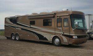 Campingbus für zwei Leute (Roland und Denise), irgendwo am Weg nach Montreal, nördlich Ottawa River, Quebec