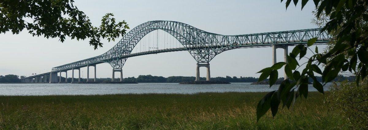 Parc Laviolette, Blick auf Laviolette Brücke in Trois-Rivères-Quest, Quebec