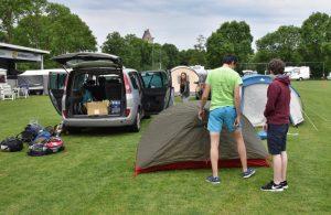 Aufbau der Zelte (c) Josef Kvita